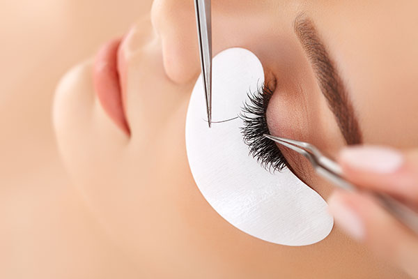 Tips To Help Make Your Eyelash Extensions Last Longer
